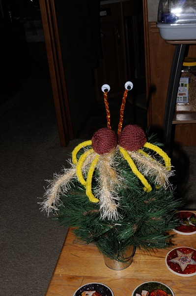 tree-topper-knitted