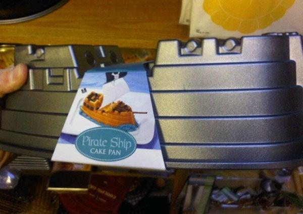 pirate-cake-pan