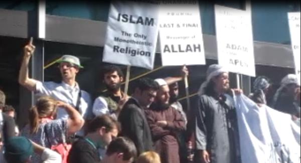 Pastafarian Preaching along Muslim brothas